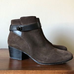 Coach ankle boot bootie brown suede 9